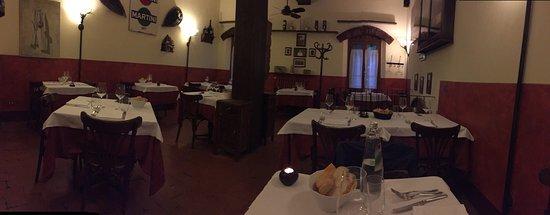 Monteveglio, Italia: Bellissima location ed un passito da 10 e lode ... Un'esperienza!