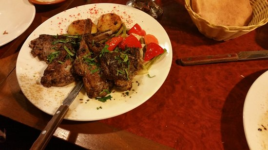 Amirah's Grill and Restaurant: Lamb chop with vegetables