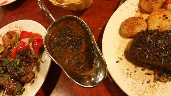 Amirah's Grill and Restaurant: Best black pepper sauce.