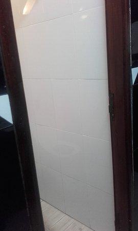 Caribbean Village Agador : tjr le wc sans porte !