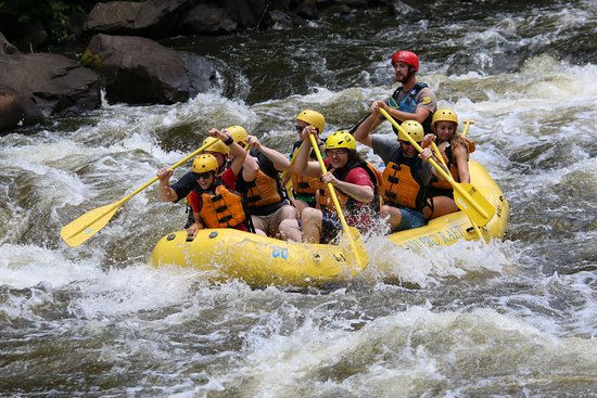Hartford, เทนเนสซี: Upper river rafting with friends
