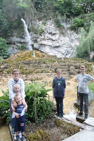 Photo de jardin des fontaines p trifiantes la sone - Le jardin des fontaines petrifiantes ...