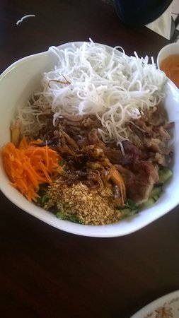 Vietnam Restaurant: Dry Noodle Bowl with beef, sauce on the side.