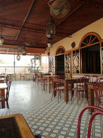 Cafe Terrasse Palais El Badia : terrasse