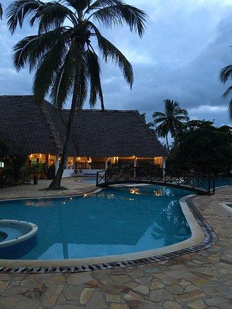Uroa Bay Beach Resort: photo1.jpg