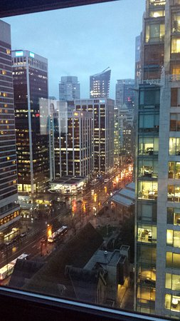 Fairmont Hotel Vancouver: Taken at 7am in the morning in Winter. Absolute perfection!
