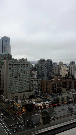 Fairmont Hotel Vancouver: View from the rooftop bar
