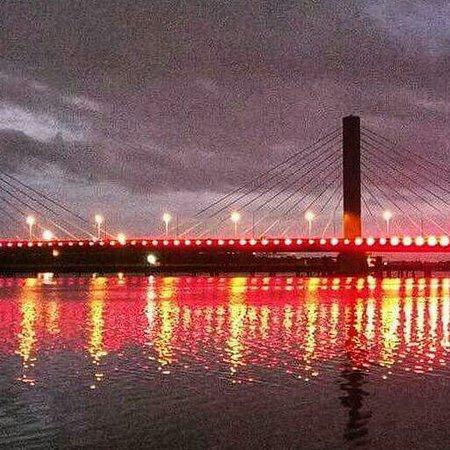 Dar es Salaam, Tanzania: Kigamboni bridge at night 👌