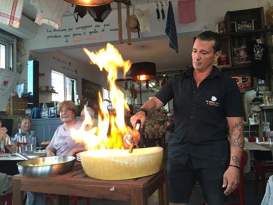Coustellet, Frankrig: Plat du Jour Pasta cooked in the Parm !