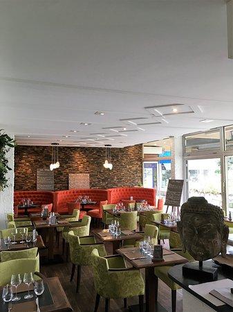 Annecy-le-Vieux, France: salle du restaurant