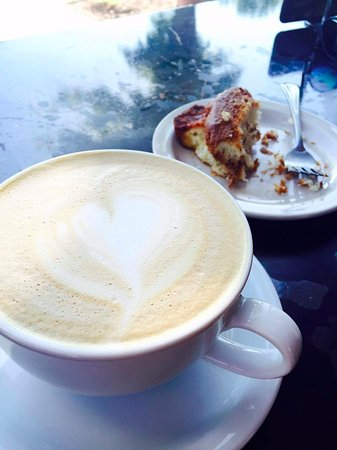 Cedar Rapids, IA: White mocha coffee and coffee cake