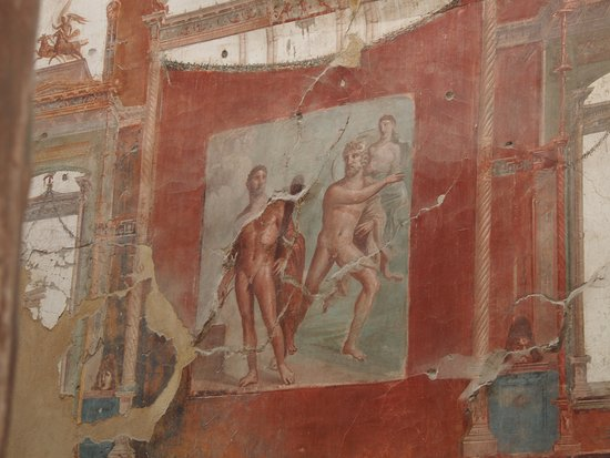 Ercolano, إيطاليا: frescos inside a house in Herculaneum