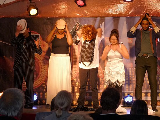 Litteau, Francja: crazy show