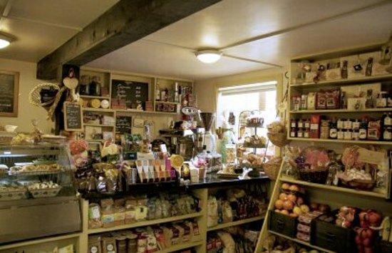 Gowran, ไอร์แลนด์: glasrai and goodies shop edited_large.jpg
