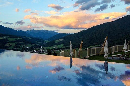 Sorafurcia, Italia: Outdoor panoramic pool