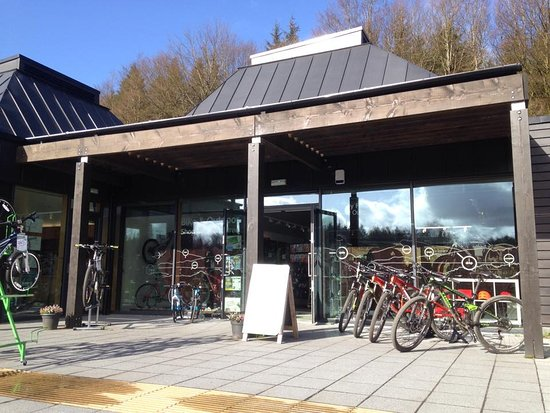 Newton Stewart, UK: Well stocked bike shop