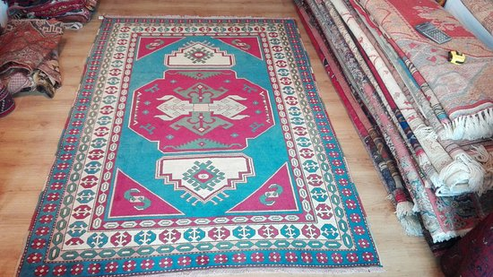 Old Orient Carpet and Kilim Bazaar