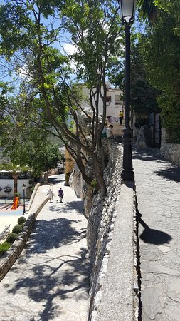 Guadalest, Spanien: View from castle entrance.