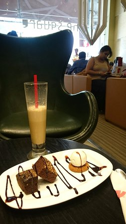 ICE LATEE - Picture of Cafe Coffee Day, New Delhi - TripAdvisor