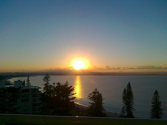 Brighton le Sands, Australië: Beautiful sunrise from room