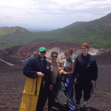 Leon, Nikaragua: Happy family!