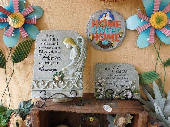 Hollister, CA: Inside the WIne Shop