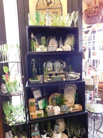 Hollister, Californie : Inside the WIne Shop