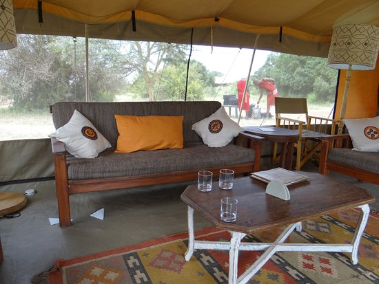 Porini Lion Camp: lounge