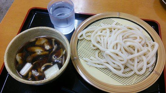 Konosu, Japon : 来店は2回目です。やっぱり美味しい  うどんです。恐るべし農林61号!! 天ぷらも良い♪です\(^o^)/