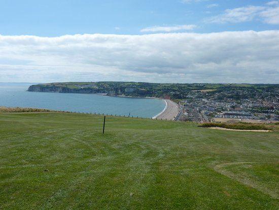 Seaton, UK: One of many coastal views from the course