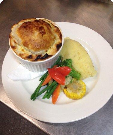 Narrandera, Australia: Home style Lamb Ragu Pie served w/ creamy mash and fresh steamed Veggies