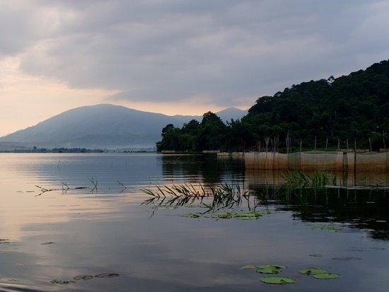 Dak Lak Province, Vietnam: Озеро Лак. Рассвет.