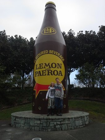 Paeroa, Nowa Zelandia: Big bottle of L&P