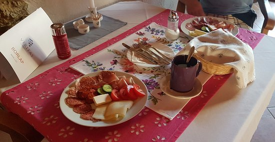 Szentgotthard, Ungarn: Breakfast