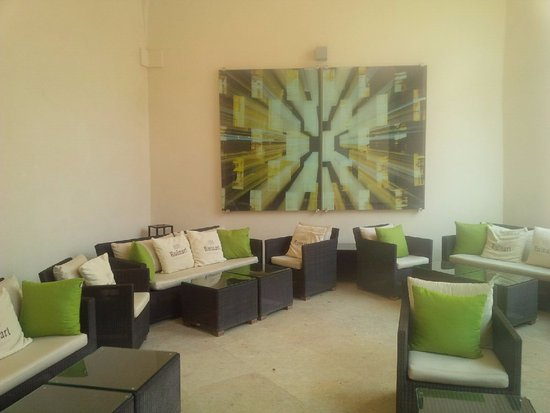 Augustine, a Luxury Collection Hotel, Prague: Covered outdoor lounging area