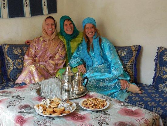 إمليل, المغرب: Welcome at the Aid