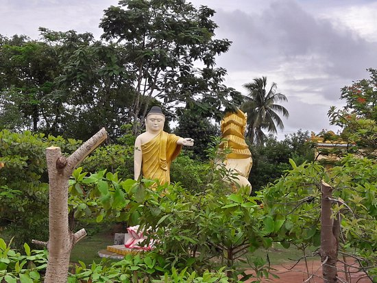 Bago, Burma: Figurines in the Surrounding Park