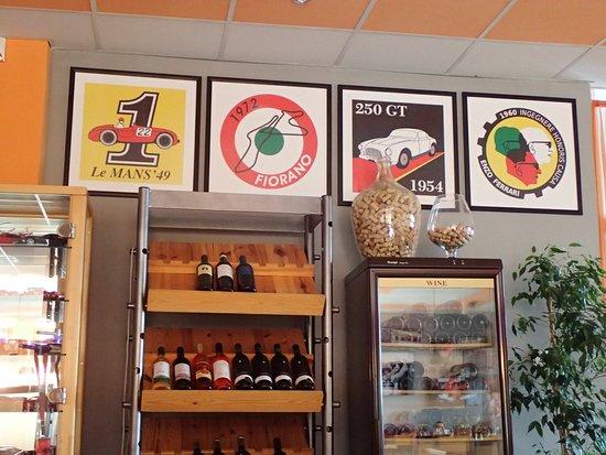 Pizzeria La Montanara: some racing decors