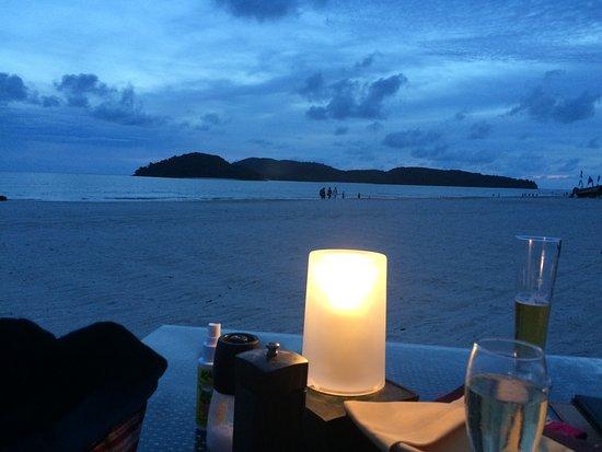 Casa del Mar, Langkawi: Candel lit diner on the beach