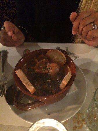 Bistrot M : Atmosfera accogliente e sofisticata, personale cordiale e professionale, cibo eccezionale!!!!!No