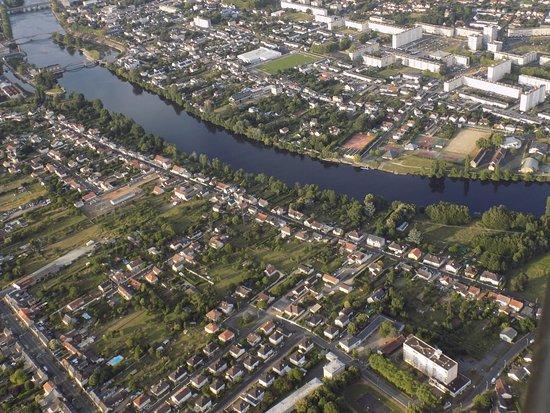 Thure, فرنسا: Vue de la ville de Châtellerault