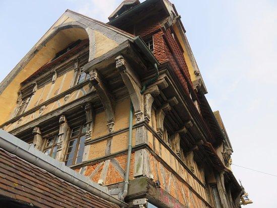 La Salamandre : Nice architecture