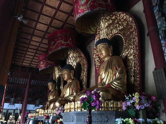 Kaifeng, China: 大相国寺仏像