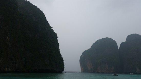 Baumancasa Karon Beach Resort: Остров,где снимали фильм Пляж с Леонардо ДиКаприо