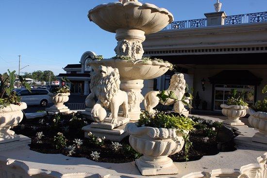 Уилльямсвилль, Нью-Йорк: Fountain