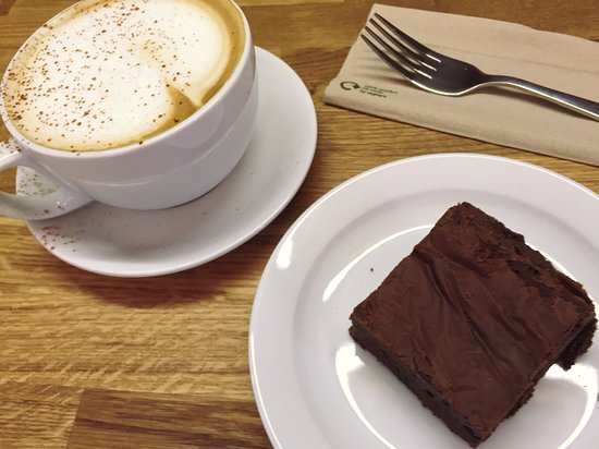 Coalbrookdale, UK: Cappuccino and Gluten-Free Chocolate Brownie