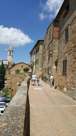 Pienza, Italien: 20160627_114107_001_large.jpg
