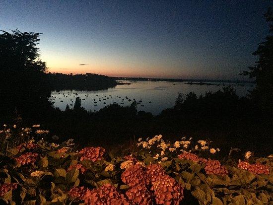 Ploubazlanec, ฝรั่งเศส: La vue magnifique que nous offrent nos hôtes un soir de juillet