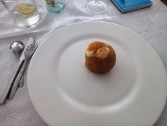 Martorell, สเปน: Manzana al horno con crema