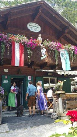 Grundlsee, ออสเตรีย: TA_IMG_20160724_142308_large.jpg